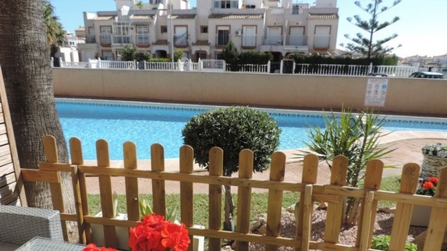 Bungalow in a beautiful complex in Torrevieja - 1