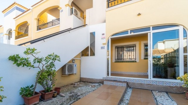 Well maintained ground floor bungalow in Los Balcones - 2