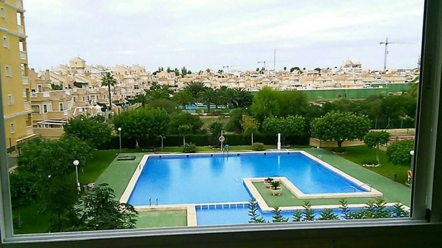 Apartment in a beautiful complex in Torrevieja - 1