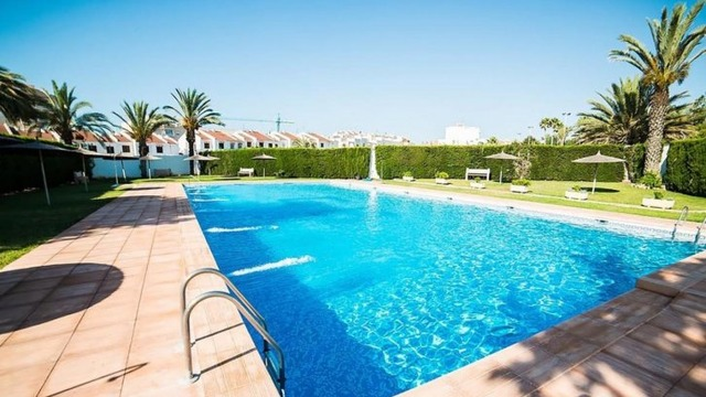 Well maintained townhouse in the Calas Blanca area - 1