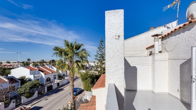 Well maintained townhouse in the Calas Blanca area - 11
