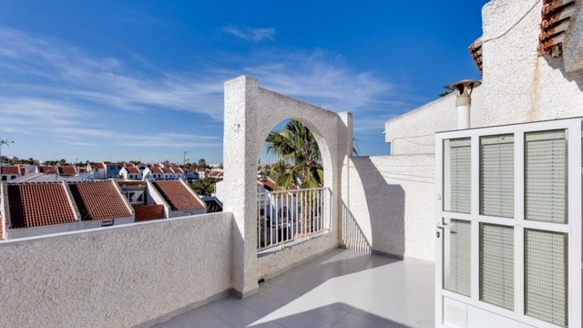 Well maintained townhouse in the Calas Blanca area - 10