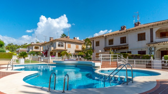 Apartment in a gated complex in Torrevieja - 1