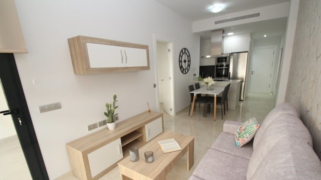 Spacious comfortable two bedroom apartment in a complex with swimming pool - 1