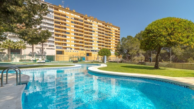 New apartment in a beautiful complex with a swimming pool - 1