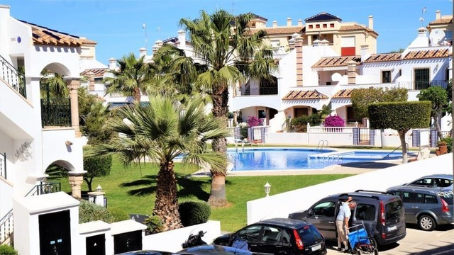 Bungalow in Playa Flamenca - 1