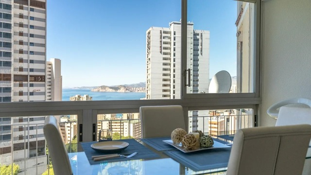 Apartment in Benidorm with sea and mountain views - 1