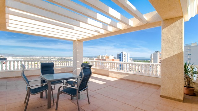 Penthouse with sea and mountain views in Guardamar del Segura - 1